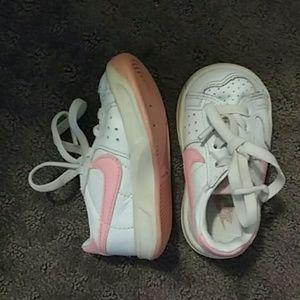 Vintage baby girls Nike sneakers